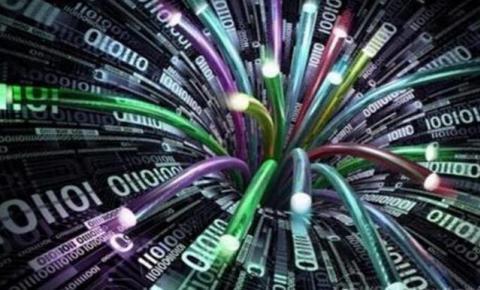 中国实现一根光纤可供135亿人同时通话