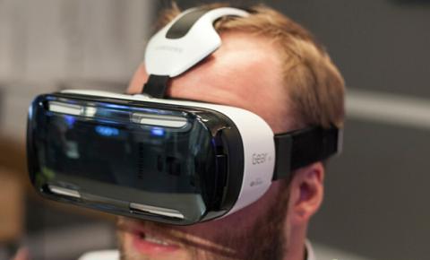 VR要被主流<font color=