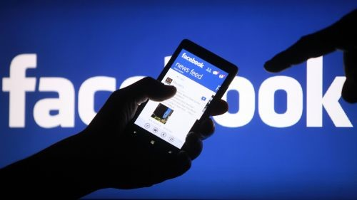 利用AI进攻硬件市场,传Facebook将研发智能视频聊天设备