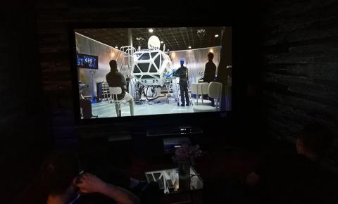 投影机pk电视机 4K巨幕家庭影院选择解析