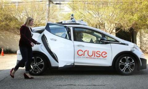 通用CFO:未来自动驾驶叫车服务要比卖车更赚钱