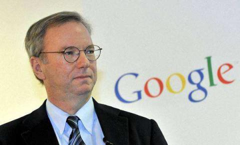 """谷歌前CEO埃里克·施密特:人工智能能带来""""足够多的好处"""""""