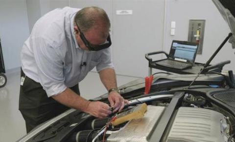 保时捷将使用增强现实技术缩短车辆修理时间