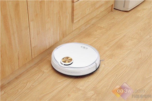 扫地机器人好用吗?双定位让你体验真智能