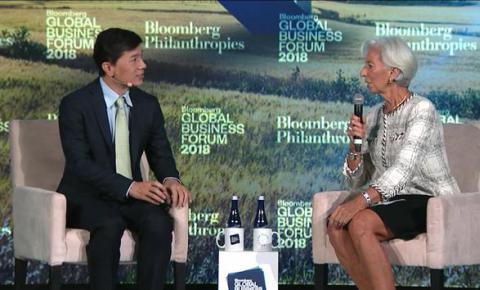 李彦宏对话IMF总裁谈AI:互联网是开胃菜,<font color=